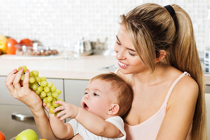 how should be feed when  breastfeeding